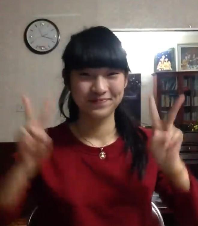 """Chỉ đổi tóc mái thôi mà Khánh Vy """"bắn 7 thứ tiếng"""" lột xác như đã dậy thì thành công vậy! - Ảnh 3."""