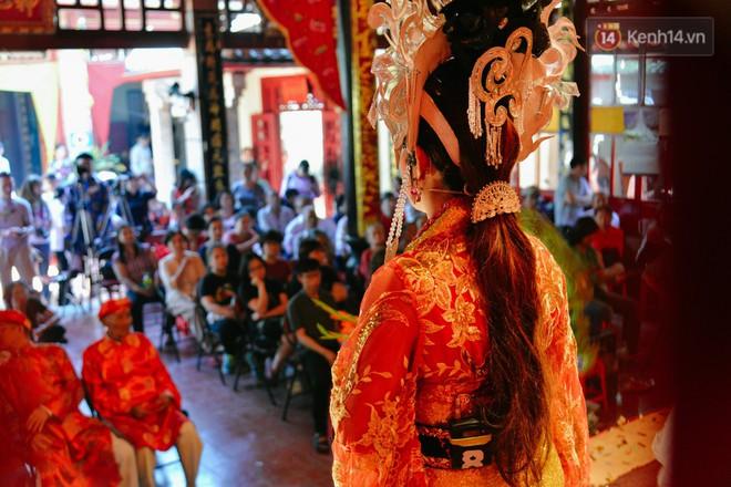 Chuyện chưa kể về những gánh hát bội truân chuyên còn ở Sài Gòn: Ăn gạo chợ, uống nước sông - Ảnh 13.