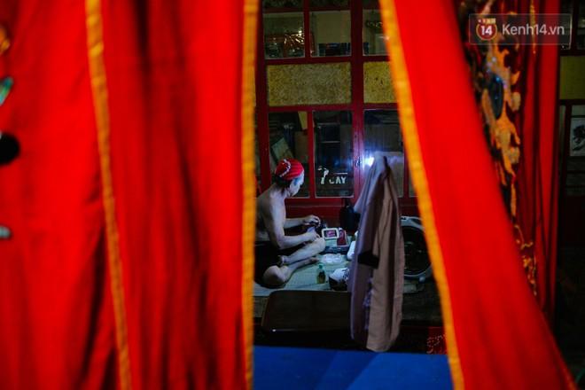 Chuyện chưa kể về những gánh hát bội truân chuyên còn ở Sài Gòn: Ăn gạo chợ, uống nước sông - Ảnh 8.