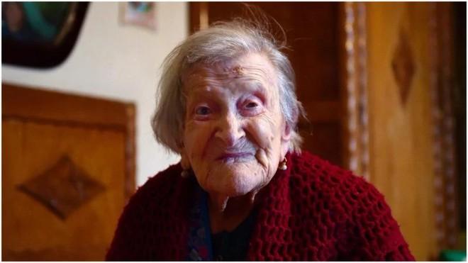 Bí quyết sống thọ của cụ bà 117 tuổi sống qua 3 thế kỷ: Ăn 3 quả trứng/ngày, sống một mình suốt 80 năm - Ảnh 1.