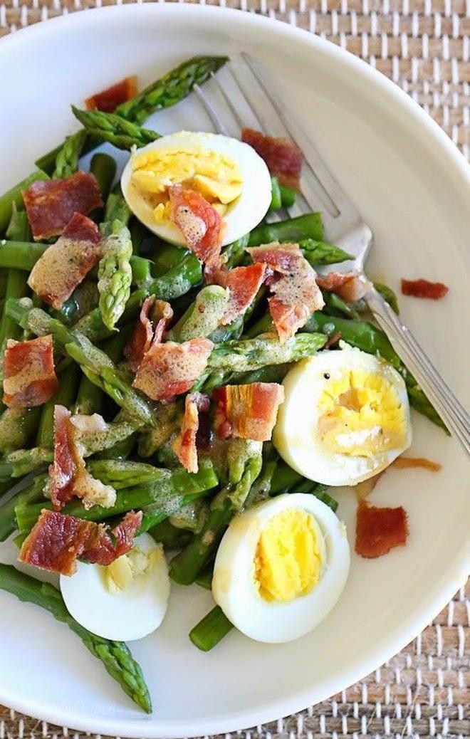 Chỉ ăn salad cũng có thể làm bạn béo hơn nếu mắc các sai lầm này - Ảnh 3.