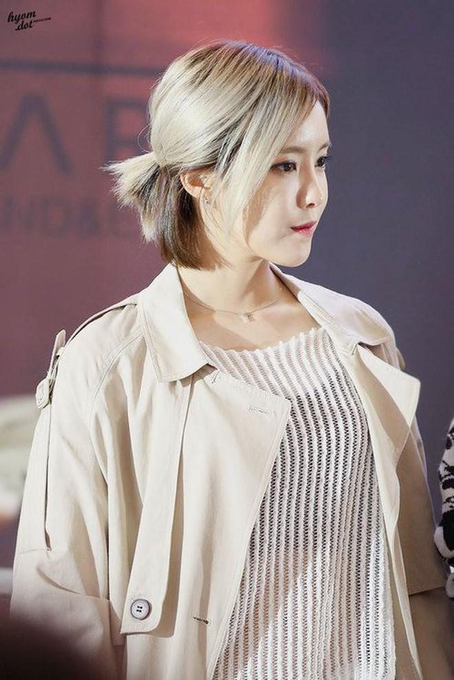 """Nhờ đổi màu tóc, loạt idol Hàn mới có màn """"lột xác"""" ngoạn mục đến thế - Ảnh 7."""