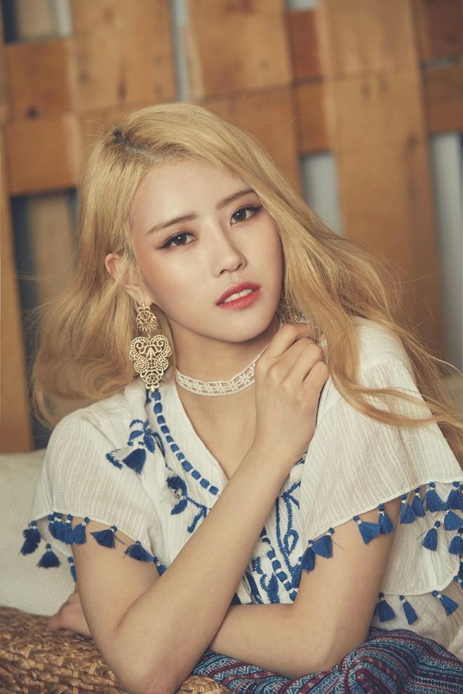 """Nhờ đổi màu tóc, loạt idol Hàn mới có màn """"lột xác"""" ngoạn mục đến thế - Ảnh 8."""