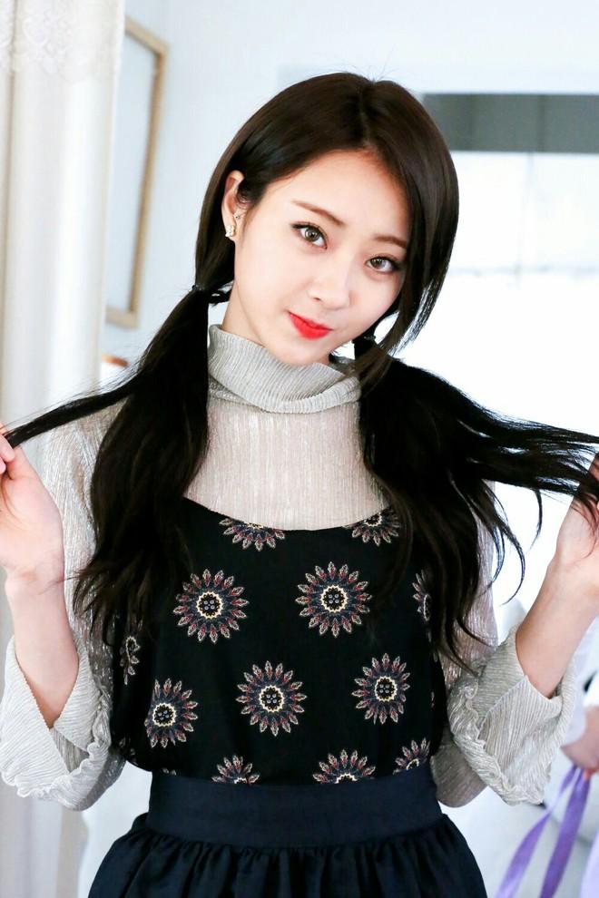 """Nhờ đổi màu tóc, loạt idol Hàn mới có màn """"lột xác"""" ngoạn mục đến thế - Ảnh 9."""