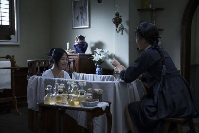 Hậu trường ít ai biết của cảnh nóng phim Hàn 18+ The Handmaiden - Ảnh 8.