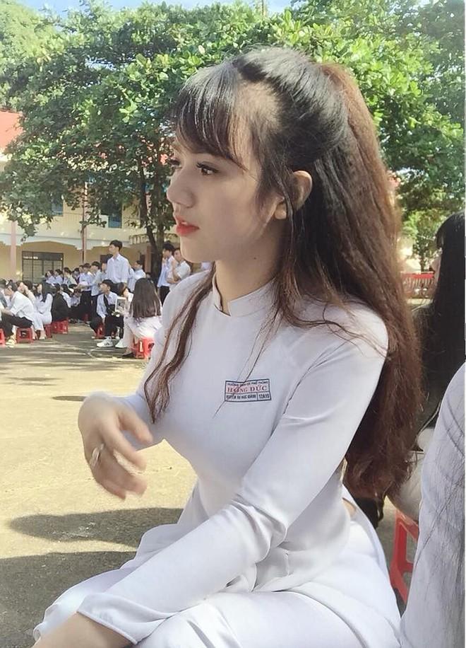 """Ngoài hoa hậu H'Hen Niê, Đắk Lắk còn là quê hương của rất nhiều cô nàng """"xinh không phải dạng vừa"""" - Ảnh 24."""