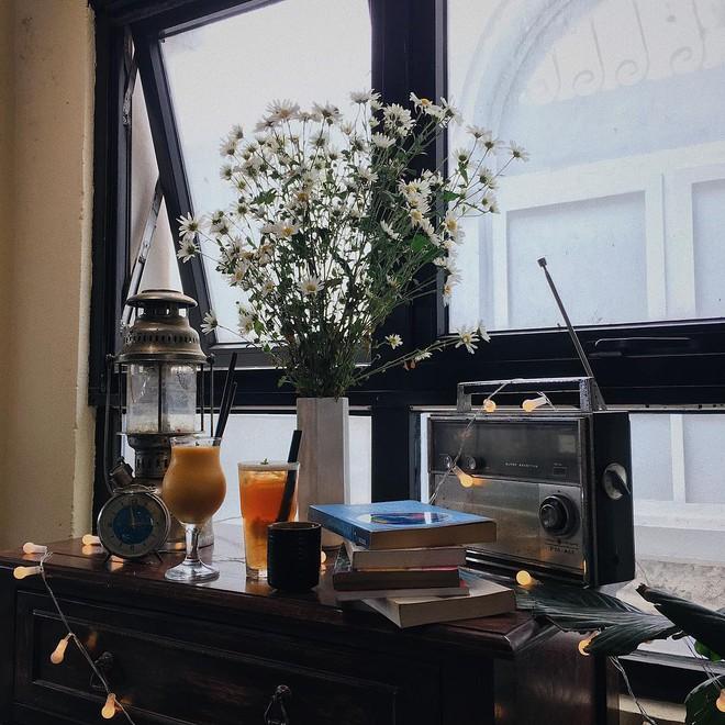 """Tránh rét trong những ngày Hà Nội """"lạnh chết đi được"""" ở 4 quán cafe rất xinh - Ảnh 25."""