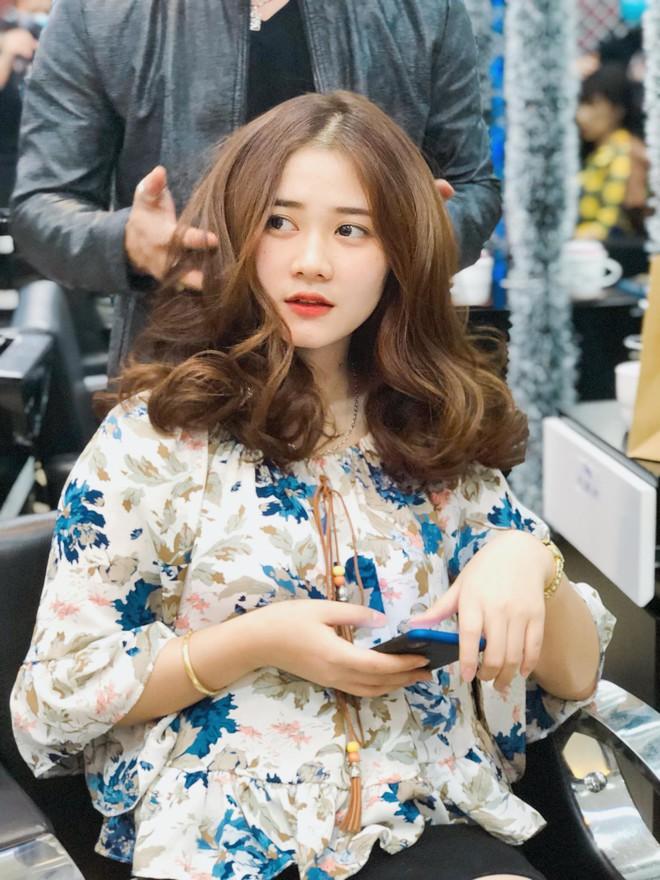 """Ngoài hoa hậu H'Hen Niê, Đắk Lắk còn là quê hương của rất nhiều cô nàng """"xinh không phải dạng vừa"""" - Ảnh 19."""