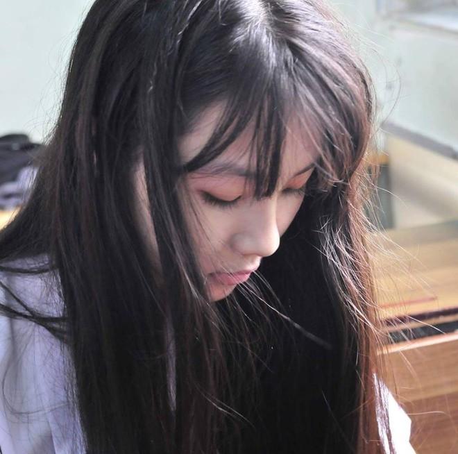 Xinh đẹp, học giỏi, nữ sinh Phú Nhuận khiến nam sinh đồng loạt muốn chuyển trường - Ảnh 1.