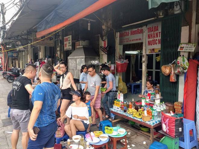 Ở Hà Nội có tận 5 hàng bún chả từng xuất hiện chễm chệ trên truyền thông quốc tế - Ảnh 8.