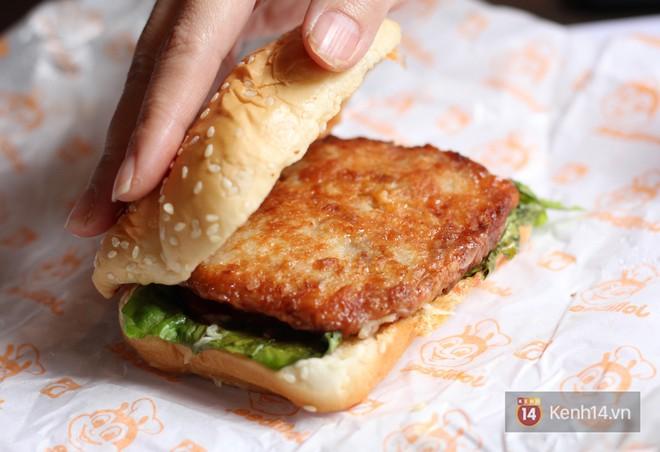 Xem sự khác biệt giữa quảng cáo và thực tế của burger ở Việt Nam để thấy đúng là đời không như mơ - Ảnh 25.