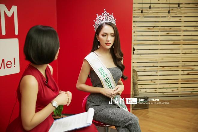 Hương Giang nói về lời chúc mừng của nghệ sĩ Trung Dân, Trang Trần: Đó là sự văn minh - Ảnh 10.