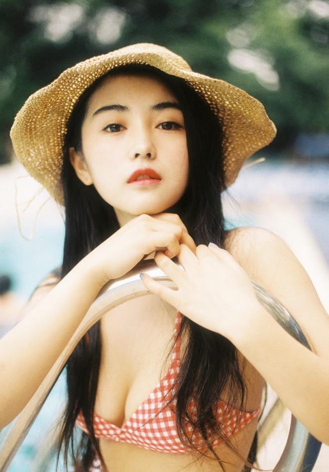 Cô bạn Trung Quốc sở hữu nét đẹp được ví như các mỹ nhân TVB thập niên 90 - Ảnh 1.