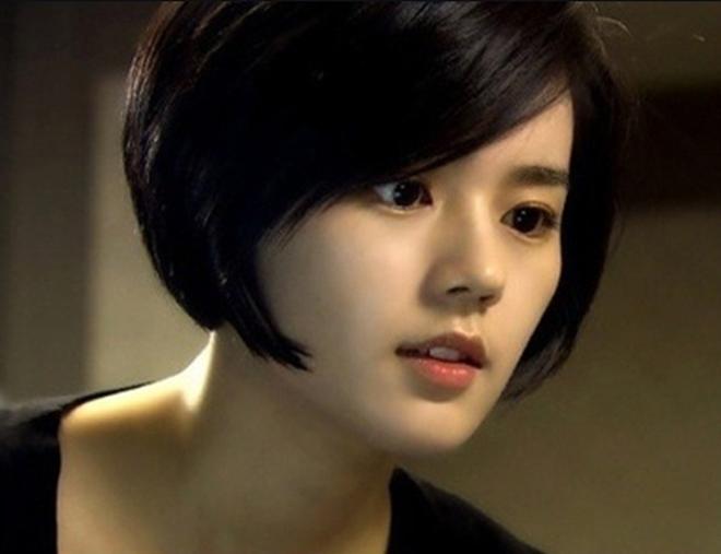 """6 năm kể từ """"Mặt trăng ôm mặt trời"""", nữ thần Han Ga In trở lại với góc nghiêng hoàn hảo - Ảnh 8."""