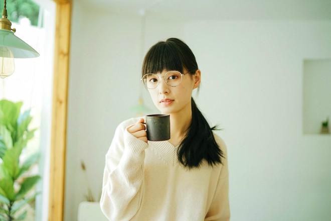 Cằm vuông vẫn siêu xinh và thừa thần thái, cô bạn Trung Quốc này chính là minh chứng! - Ảnh 4.