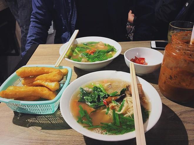 """Những quán ở Hà Nội có giờ mở cửa rất """"dị"""" nhưng vẫn luôn đông khách - Ảnh 14."""