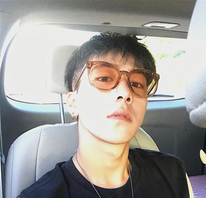 """Con gái đua nhau """"ghim"""" anh chủ shop Taobao đẹp trai hơn cả hot boy! - Ảnh 3."""