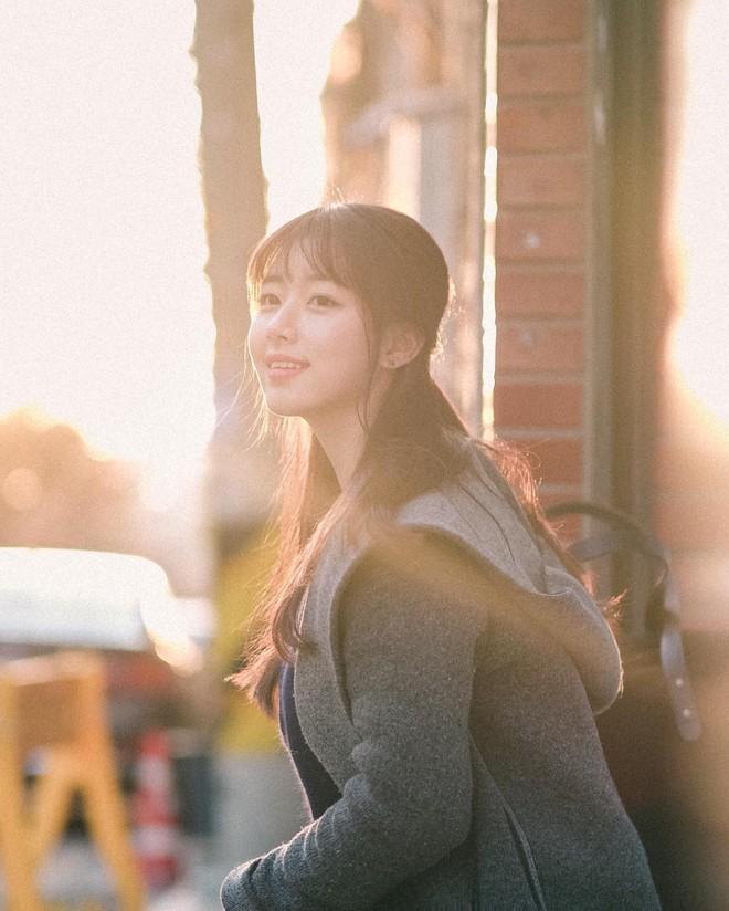 """Nhan sắc nhẹ nhàng đúng chuẩn """"mối tình đầu"""" của cô bạn đến từ Hàn Quốc - Ảnh 4."""