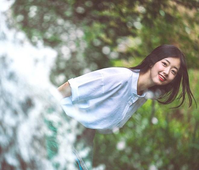 """Nhan sắc nhẹ nhàng đúng chuẩn """"mối tình đầu"""" của cô bạn đến từ Hàn Quốc - Ảnh 6."""