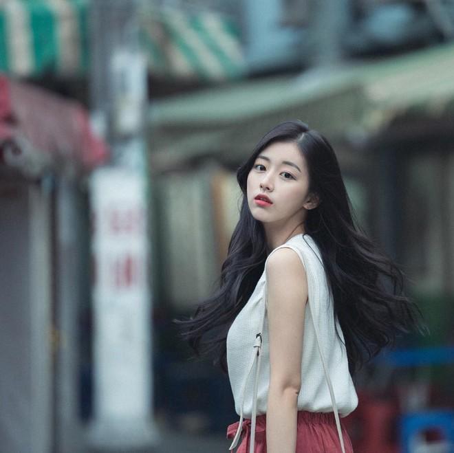 """Nhan sắc nhẹ nhàng đúng chuẩn """"mối tình đầu"""" của cô bạn đến từ Hàn Quốc - Ảnh 9."""