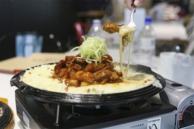Mách nhỏ 8 cửa hàng gà rán ngon bậc nhất ở Seoul nếu có dịp nhất định phải ghé qua ăn thử - Ảnh 7.