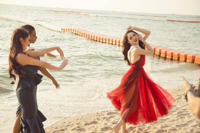 Ngắm nhan sắc của Hương Giang trong những chặng cuối của Hoa hậu Chuyển giới Quốc tế 2018 - Ảnh 1.