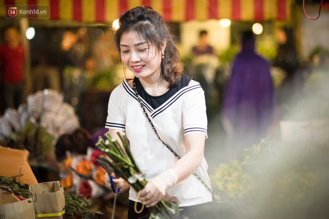 """8/3 của những người phụ nữ không bao giờ thiếu hoa: """"Mình thích thì mang hoa về tự cắm, chẳng cần chờ ai tặng cả!"""" - Ảnh 3."""
