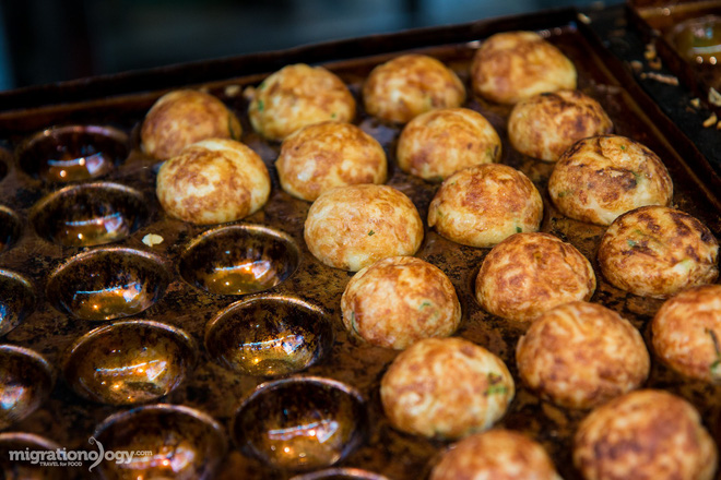 Đa dạng ẩm thực khu chợ Kuromon Ichiba (Nhật Bản), món nào lỡ nhìn thấy cũng phải nghiện ngay - Ảnh 1.