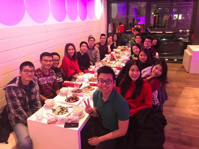 Du học sinh Việt hòa mình vào không khí chào năm mới khắp thế giới - Ảnh 3.