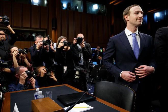 Mark Zuckerberg chọn cách xin lỗi bằng Suit và những chiếc cà vạt