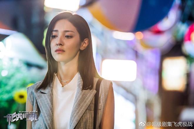 """""""Phi Hổ Cực Chiến"""": Toát mồ hôi theo dấu đội hình bắn tỉa hội tụ toàn ngôi sao TVB - Ảnh 6."""