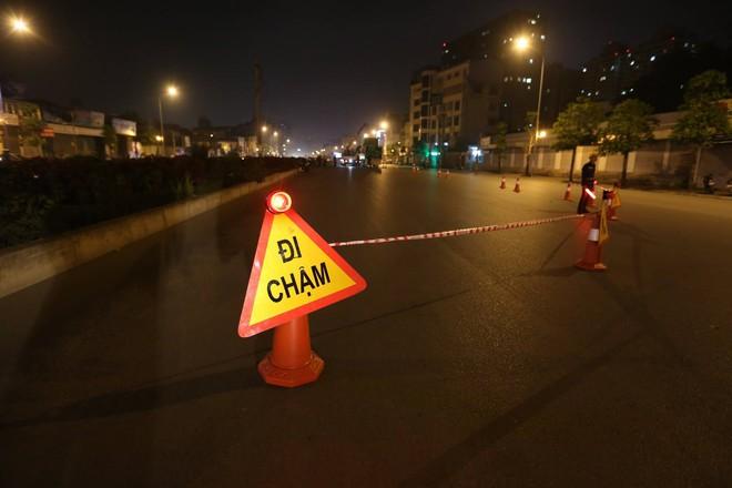 Hà Nội: Bắt đầu rào đường Trường Chinh phục vụ thi công đường vành đai 2 - Ảnh 3.