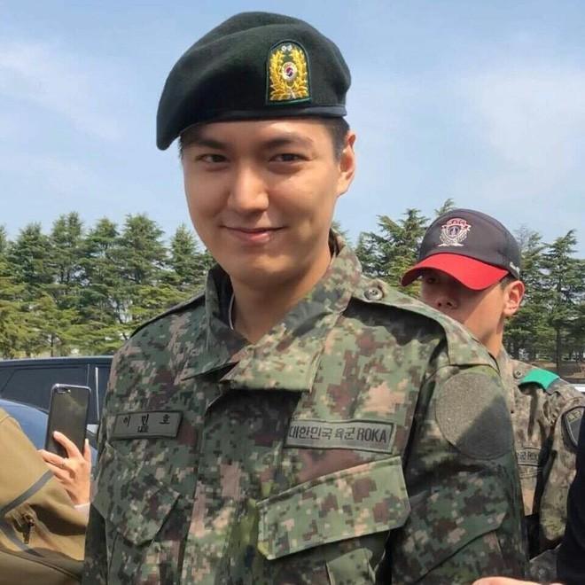 """Dành cho ai chưa biết: Nghĩa vụ quân sự Hàn Quốc chính là nơi biến """"cây sậy lâu năm"""" thành khúc giò béo núc! - Ảnh 4."""