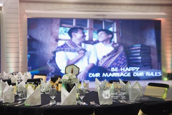Bố mẹ hai bên gia đình có mặt đông đủ trong đám cưới của biên đạo John Huy Trần và bạn trai Nhiệm Huỳnh - Ảnh 14.
