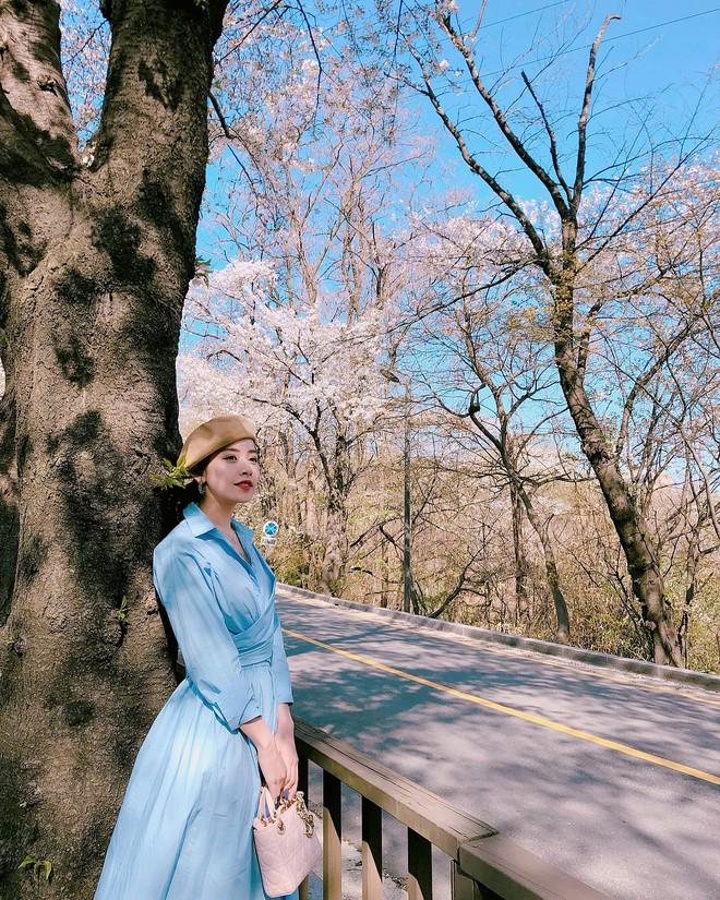 Mặc đẹp không thua kém giới trẻ Hàn, Chi Pu lọt ống kính nhiếp ảnh gia street style tại Seoul khi tới đây du lịch - Ảnh 3.