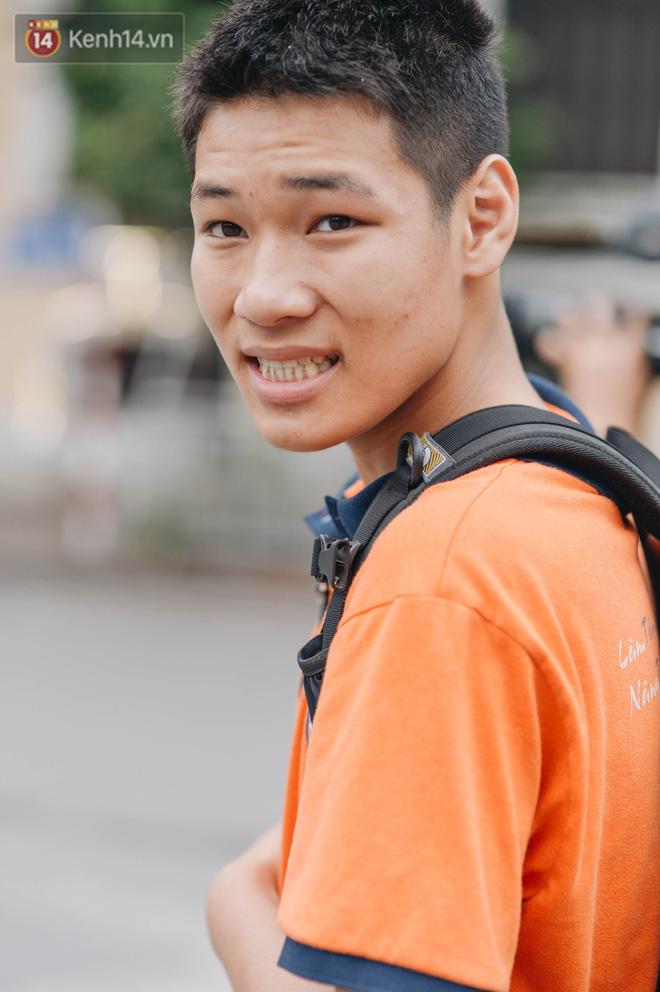 """Một người cha Hà Nội viết nên cổ tích cho con trai tự kỷ thoát """"án chung thân"""", trở thành kỷ lục gia xiếc nhí Việt Nam - Ảnh 1."""
