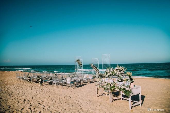 Đám cưới đồng tính của hai cô gái từng là tình địch giữa bãi biển Bình Thuận thơ mộng - Ảnh 5.