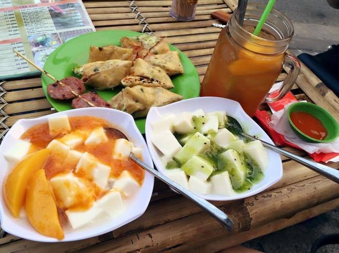 Sữa chua dẻo xắt miếng: món ăn mát lạnh đập tan cái nóng mùa hè ở Sài Gòn - Ảnh 4.