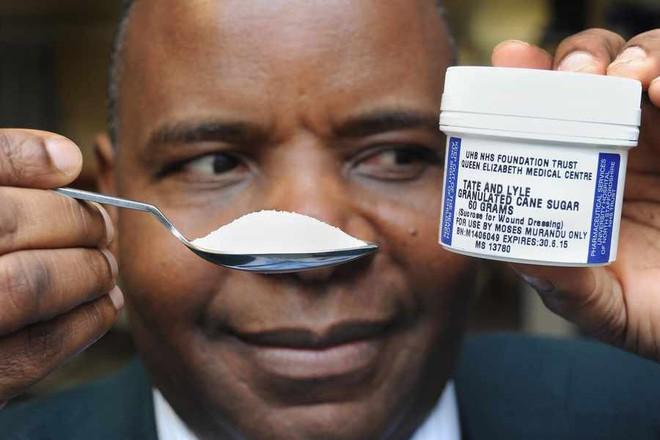 """Tin được không: viên đường giúp vết thương mau lành ngay cả khi thuốc kháng sinh đã """"bó tay""""? - Ảnh 1."""