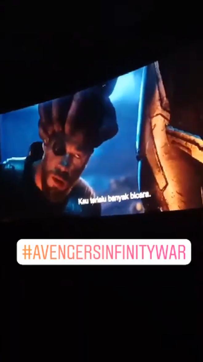 """Vừa công chiếu chưa đến 24 giờ, """"Avengers: Infinity War"""" bị quay lén đưa lên Story Instagram - Ảnh 4."""