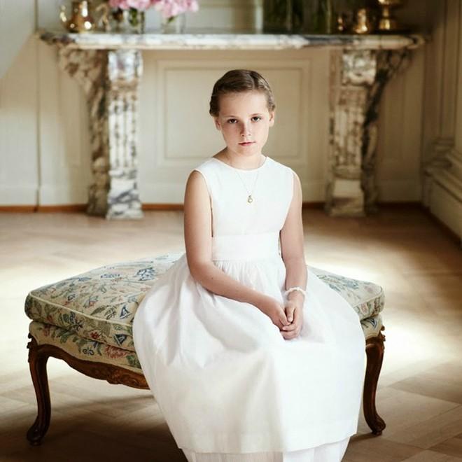 Không chỉ Hoàng gia Anh, còn rất nhiều tiểu Hoàng tử và Công chúa trên thế giới khiến ai cũng xuýt xoa vì dễ thương - Ảnh 10.