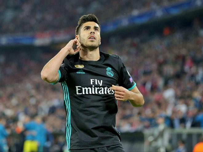 """đầu tư giá trị - 4e759708 cba0 421d ba4d 93f84773fbb8 15246950535301818390223 - Ronaldo """"tàng hình"""", vẫn đi vào lịch sử Champions League"""