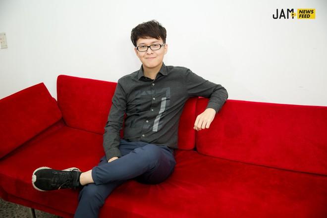 """Khả Ngân tiết lộ bị Jun Phạm hôn đến chảy máu môi, 3 nụ hôn trong phim đều """"kinh khủng"""" chứ không hề lãng mạn! - Ảnh 3."""