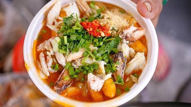 Điểm mặt những hàng bánh canh cua không bao giờ vắng khách tại Sài Gòn - Ảnh 7.