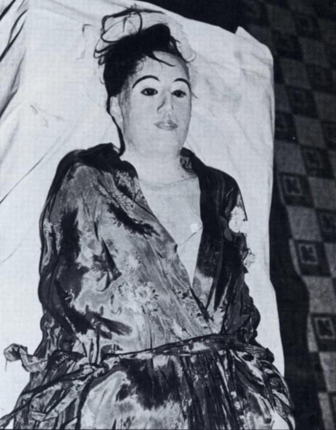 Ăn trộm xác chết về yêu - chuyện tình kinh dị có thật của thế kỷ 20 - Ảnh 6.