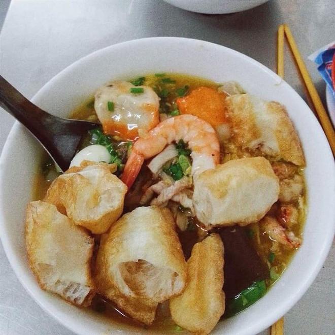Điểm mặt những hàng <strong>bánh canh cua</strong> không bao giờ vắng khách tại Sài Gòn - Ảnh 18.