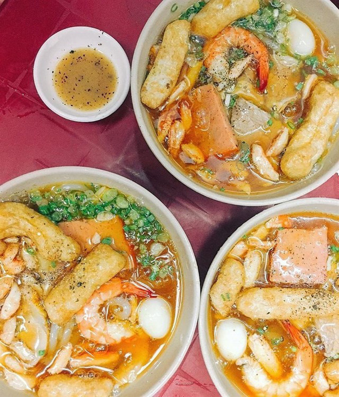 Điểm mặt những hàng <strong>bánh canh cua</strong> không bao giờ vắng khách tại Sài Gòn - Ảnh 10.