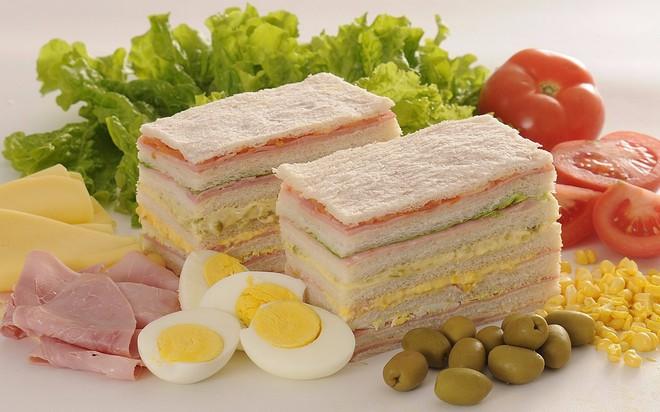 Vòng quanh thế giới xem các nước đón sinh nhật bằng những món ăn nào - Ảnh 4.