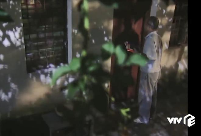 """Đời sinh viên khó khăn thu bé lại vừa bằng cảnh giả ốm trốn tiền trọ trong """"Phía trước là bầu trời"""" - Ảnh 3."""