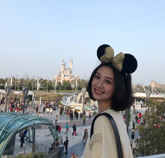 """Cô bạn Trung Quốc được mệnh danh """"hot girl má lúm"""" vì xinh như búp bê - Ảnh 9."""